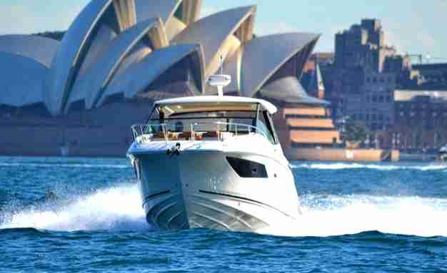 2019 Sea Ray Sundancer 320 Review, 2019 sea ray sundancer 320 price, 2019 sea ray sundancer 320 sport cruiser boat price, 2019 sea ray sundancer 320 ob,
